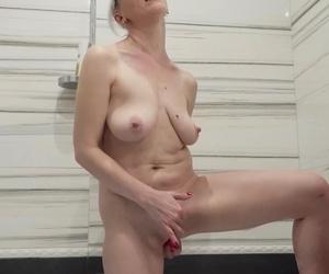 stepmom first bare tub video
