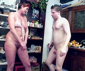 Youthful Guy Seduce Ugly Mature Mom to get First Anal Lovemaking - Scout69.com ist die größte deutschsprachige Erotik Community - Jetzt kostenlos dabei sein